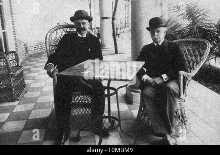 politics, conference, Algeciras  Conference, 16.1. - 7.4.1906, the envoys Paul Revoil (Frankreich) and Joseph von Radowitz (Germany), terrace of the Hotel Reina Cristina, Algeciras, Spain, 'Die Woche', April 1906, Additional-Rights-Clearance-Info-Not-Available - Stock Photo