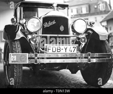 transport / transportation, car, vehicle variants, Packard Eight 243, year of construction: 1926, view from ahead, number plate of the administrative district Friedberg, 7th national  meeting of the German automobile veteran club, 2. - 4.10.1970, 8, DAVC, meeting, meetings, bumper, bumper bar, bumpers, bumper bars, radiator grill, radiator grille, radiator cowling, radiator grills, radiator grilles, radiator cowlings, round headlight, headlamp, headlights, headlamps, headlight, lettering, front view, vehicle registration mark, motor car, auto, pa, Additional-Rights-Clearance-Info-Not-Available - Stock Photo
