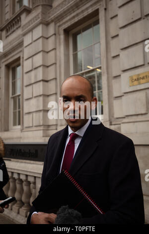 London, UK. 21st March, 2019. Chuka Umunna, MP of The Independent Group, talks to the press outside the Cabinet Office, Whitehall, London. Credit: Joe Kuis / Alamy Live News - Stock Photo