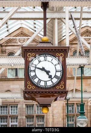 Well known meeting spot, Victorian clock on concourse of Glasgow Central Station, Scotland, UK - Stock Photo
