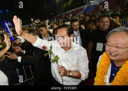 Bangkok, Thailand. 22nd Mar, 2019. Thai Prime Minister Prayut Chan-o-cha attends an election campaign rally in Bangkok, Thailand, March 22, 2019. Thai Election Commission announced in January that Thailand would hold general election on March 24. Credit: Rachen Sageamsak/Xinhua/Alamy Live News - Stock Photo