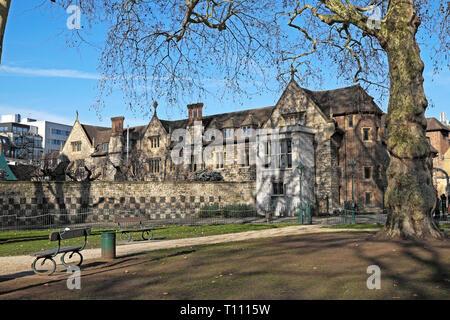 A view of Charterhouse historic buildings and Charterhouse Square in sunshine in Smithfield area Islington City of London EC1 England UK  KATHY DEWITT - Stock Photo