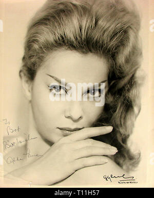 Photos of early America-Autographed photo of singer and actress Abbe Lane. Stock Photo