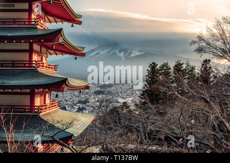 Famous Place of Japan with Chureito pagoda and Mount Fuji in daytime