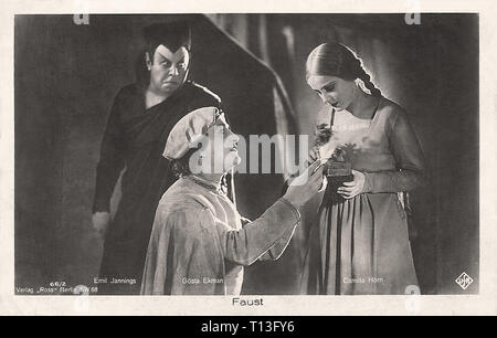 Promotional photography of Gösta Ekman  Emil Jannings and Camilla Horn in Faust (1926) - Silent movie era - Stock Photo