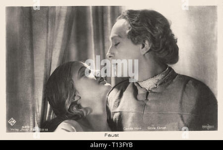 Promotional photography of Gösta Ekman and Camilla Horn in Faust (1926) - Silent movie era - Stock Photo
