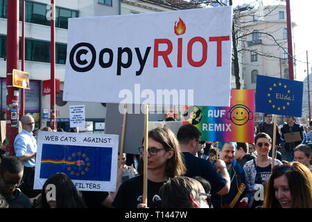 Vienna, Austria. 23.März.2019. EU continues protest day against planned copyright reform and upload filter: Demonstration 'Save Your Internet'. Credit: Franz Perc / Alamy Live News