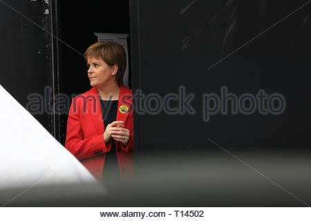London, UK. 23rd March, 2019. . London, UK. 23rd March, 2019. The people's vote protest has ended at Westminster Westminster.Many well known speakers including Tom Watson and Nicola Sturgeon addressed the crowd this evening, calling on Prime Minister May to allow a second vote. Credit: Clearpix/Alamy Live News Credit: Clearpix/Alamy Live News Credit: Clearpix/Alamy Live News Credit: Clearpix/Alamy Live News - Stock Photo