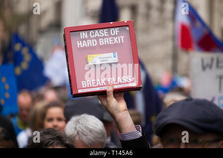 London, UK. 23 March, 2019. 'Put It To The People March', organised by the People's Vote Campaign and run by British pro-European campaign group Open Britain, takes place in central London, starting at Park Lane via Piccadilly to Parliament Square and attracting demonstrators from across the country who want a new Brexit referendum. Credit: Malcolm Park/Alamy Live News. - Stock Photo