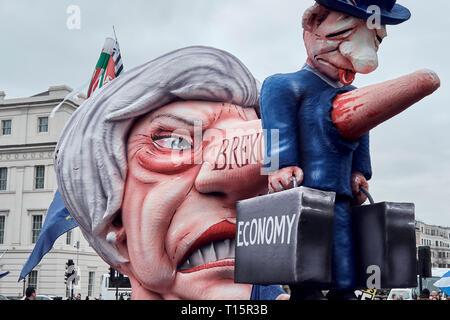 London, UK. 23rd Mar, 2019. May's Pinocio Statue, Trailer, People's March Protest Credit: Rokas Juozapavicius/Alamy Live News - Stock Photo