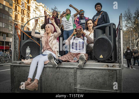 Barcelona, Catalonia, Spain. 23rd Mar, 2019. A group of women are seen chanting slogans in a truck during the demonstration.Thousands of people have marched in Barcelona against fascism and racism. Supported by some 200 social organizations, trade unions and parties, framed in the International Day against Racism, the protest has been focused mainly against the new party of the Spanish right wing VOX already with parliamentary representation. Credit: Paco Freire/SOPA Images/ZUMA Wire/Alamy Live News - Stock Photo
