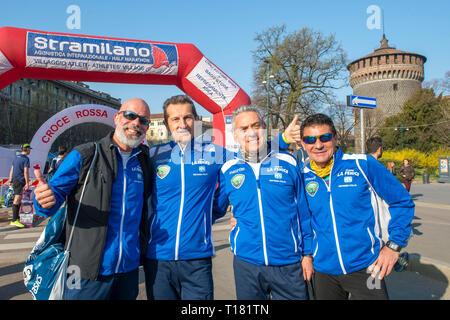 Foto Carlo Cozzoli - LaPresse 24-03-19 Milano ( Italia ) Cronaca StraMilano 2019 partenza Castello - Stock Photo