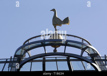 London, UK. 24th Mar 2019.  Spurs cockle during Under 18 Premier League between Tottenham Hotspur U18 and Southampton U18 at Tottenham Hotspur stadium, London, England on 24 Mar 2019 Credit: Action Foto Sport/Alamy Live News - Stock Photo