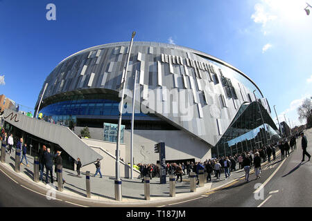 London, UK. 24th Mar 2019.  General view outside the Tottenham Hotspur stadium prior to kick off. Tottenham Hotspur u18's  v Southampton u18's , the 1st test event at the new Tottenham Hotspur Stadium in London on Sunday 24th March 2019.  this image may only be used for Editorial purposes. Editorial use only, license required for commercial use. No use in betting, games or a single club/league/player publications . pic by Steffan Bowen Credit: Andrew Orchard sports photography/Alamy Live News - Stock Photo
