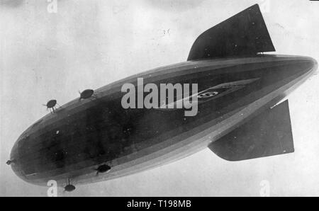 transport / transportation, aviation, airship, Zeppelin LZ 130 'Graf Zeppelin II', from down, after the departure for the first workshop ride, August 1938, Additional-Rights-Clearance-Info-Not-Available - Stock Photo