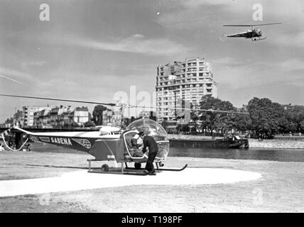 mail, airmail, helicopter Bell 47 D in the postal service of the Sabena, airfield in Liege, Belgium, 1950, Additional-Rights-Clearance-Info-Not-Available - Stock Photo