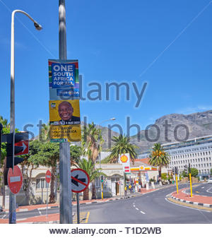 South African election poster for the May 2019 election for the Democratic Alliance and the ANC in Cape Town - Stock Photo