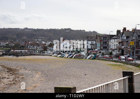Shops and promenade at Rhos on Sea, North Wales viewed from Rhos point. - Stock Photo