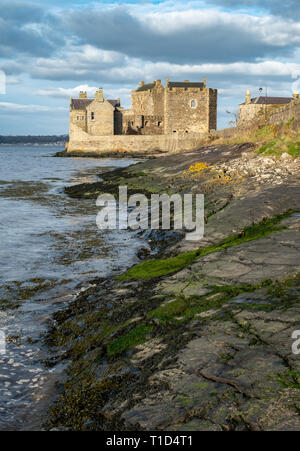 Blackness Castle on the shore of the Firth of Forth near Linlithgow. It has been used as a film location and most recently in the Outlander tv series. - Stock Photo