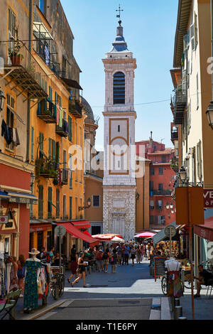 """Nice (south-eastern France): """"rue Rossetti"""" street in the Old City and bell tower of Nice Cathedral (French: """"Basilique-Cathedrale Sainte-Marie et Sai - Stock Photo"""