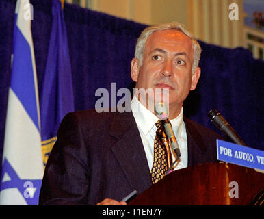Prime Minister Benjamin Netanyahu of Israel speaks at the National Press Club in Washington, DC on July 10, 1996. Credit: Ron Sachs/CNP | usage worldwide - Stock Photo