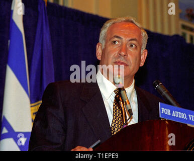 Washington, District of Columbia, USA. 10th July, 1996. Prime Minister Benjamin Netanyahu of Israel speaks at the National Press Club in Washington, DC on July 10, 1996 Credit: Ron Sachs/CNP/ZUMA Wire/Alamy Live News - Stock Photo