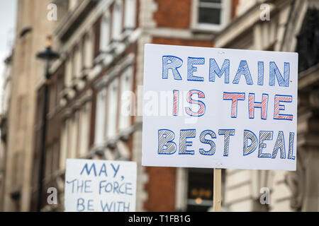 Remain is the best deal political brexit banner at a rally in London - Stock Photo