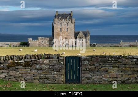 Ackergill Tower, Sinclair Bay, Caithness, Highlands, Scotland, UK - Stock Photo