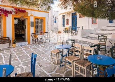 Cozy outdoor cafe in Lefkes village on Paros island, Cyclades, Greece - Stock Photo