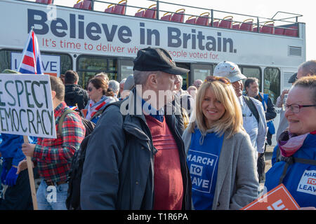 Aylesbury, United Kingdom. 28 March 2019. The pro Brexit campaign 'March for Leave' sets off from Aylesbury led by Leave Means Leave chairman John Longworth. PICTURED: Esther McVey MP. Credit: Peter Manning/Alamy Live News - Stock Photo