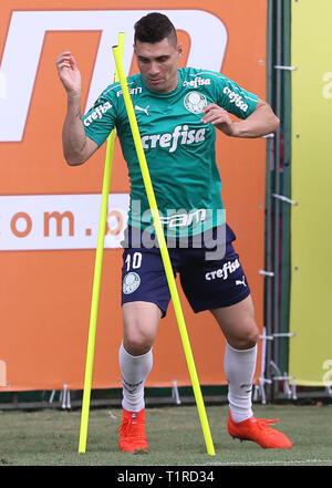 SÃO PAULO, SP - 28.03.2019: TREINO DO PALMEIRAS - The player Moisés, of the SE Palmeiras, during training, in the Soccer Academy. (Photo: Cesar Greco/Fotoarena) - Stock Photo