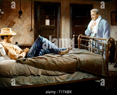 UN HOMME EST PASSE BAD DAY AT BLACK ROCK 1955  de John Sturges Lee Marvin Spencer Tracy. d'apres une nouvelle de Howard Breslin based on the short sto - Stock Photo