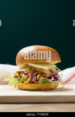 Pulled chicken burger recipe - Stock Photo