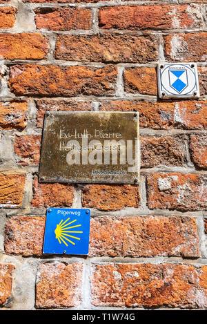pilgrim route, monument protection, sign, Holy Spirit Church, Wismar, Mecklenburg-Western Pomerania, Germany - Stock Photo