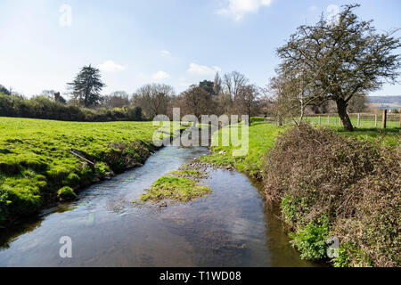 The river Sid at Fortescue, on the outskirts of Sidmouth, Devon, UK, looking south to Sidmouth. - Stock Photo