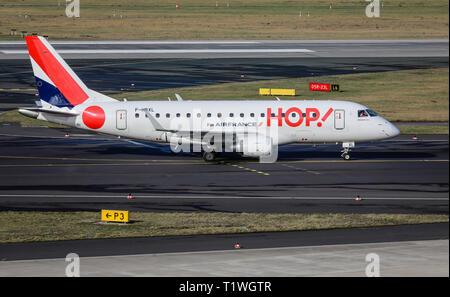 07.02.2019, Duesseldorf, North Rhine-Westphalia, Germany - HOP! Airplane on its way to the runway, Duesseldorf International Airport, DUS. 00X190207D0 - Stock Photo