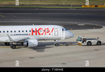 07.02.2019, Duesseldorf, North Rhine-Westphalia, Germany - HOP! Airplane on its way to the runway, Duesseldorf International Airport, DUS. 00X190207D2 - Stock Photo