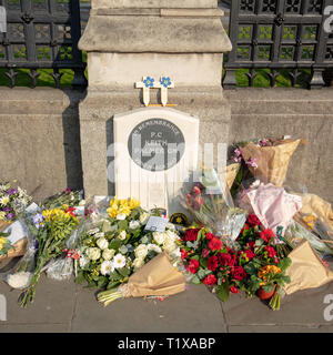 Memorial plaque of PC Keith Palmer, GM, murdered by a terrorist during the 2017 Westminster attack, outside the Westminster Palace, London, England,UK - Stock Photo