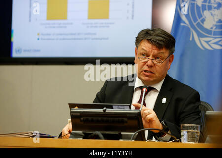 United Nations, UN headquarters in New York. 28th Mar, 2019. Petteri Taalas, Secretary-General of World Meteorological Organization (WMO), speaks at the news conference for the launch of an annual WMO report, at the UN headquarters in New York, on March 28, 2019. The WMO Statement on the State of the Global Climate 2018 states that 2018 was the fourth warmest year on record and that 2015-2018 were the four warmest years on record. Credit: Li Muzi/Xinhua/Alamy Live News - Stock Photo
