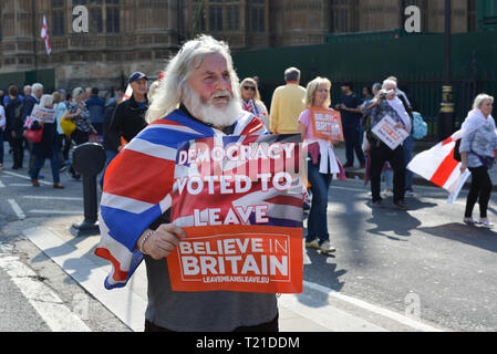 London, UK. 29th March, 2019. Pro-Brexit Activists demonstrate opposite Houses Of Parliament, on the day the UK was supposed to be leaving the EU. Credit: Thomas Krych/Alamy Live News. - Stock Photo