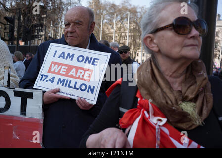 London, UK. 29th Mar, 2019. Pro Brexit protestors in Parliament Square London Credit: Roger Hutchings/Alamy Live News - Stock Photo