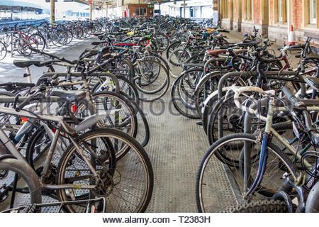 A bicycle (bike, cycle) park on the platform at Bristol Temple Meads Railway Station, England, UK - Stock Photo