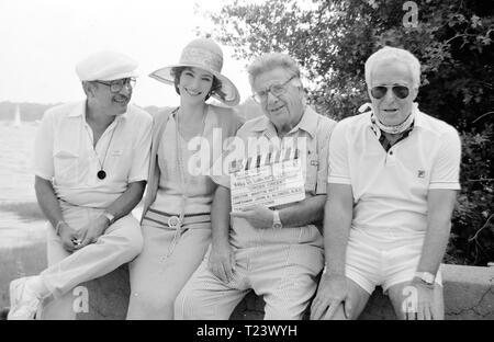 Cross Creek (1983) Cameraman John A Alonzo, Mary Steenburgen, Film Director Martin Ritt, Film Producer Robert Radnitz,      Date: 1983 - Stock Photo