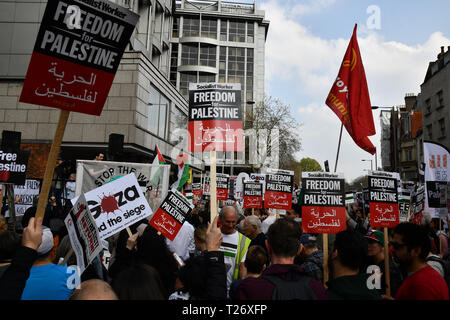 London, UK. 30th March 2019. Hundreds of pro-Palestian Students Rally for Palestine: Exist! Resist! Return! rally demand Stop Arming Israel and Gaze - End the Siege outside Israeli Embassy, Kensington High Street Credit: Picture Capital/Alamy Live News - Stock Photo