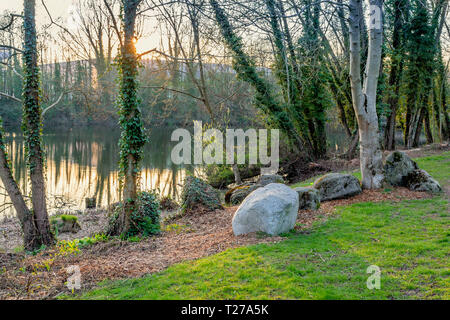 Lakeside view, Ipsley Mill Pond in Redditch, Worcestershire, England - Stock Photo