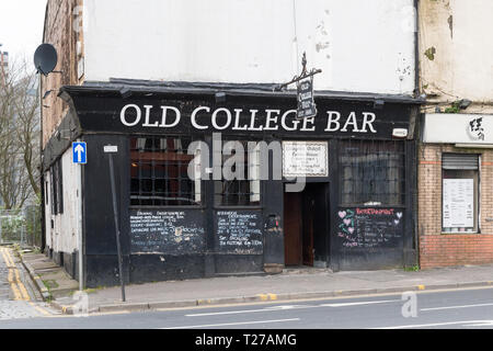 Old College Bar, High Street, Glasgow, Scotland, UK - Stock Photo