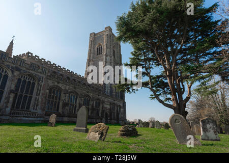 Lavenham Church, view of the late medieval (1525) Church of St Peter & St Paul and its churchyard in the Suffolk village of Lavenham, England, UK. - Stock Photo