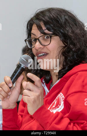 Detroit, Michigan USA - 30 March 2019 - Congresswoman Rashida Tlaib (D-Mich.) speaks about the Green New Deal at a 'Troublemakers School' organized by Labor Notes, a magazine for grass roots labor union activists. Credit: Jim West/Alamy Live News - Stock Photo