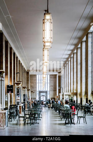 center city Philadelphia, Pennsylvania, eating area, train station, 30th street train station - Stock Photo