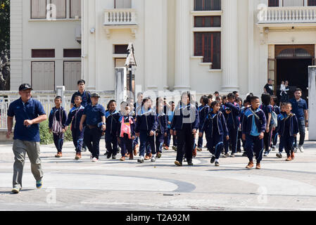 Thai school children on an educational outing, Chiang ai, Thailand - Stock Photo